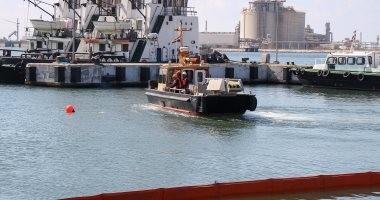 بالفيديو.. مناورة تدريبية ناجحة لمكافحة التلوث البترولى بميناء دمياط