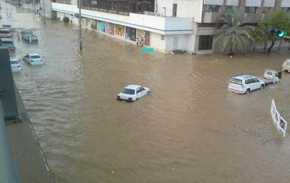 طوارئ بالسويس لمواجهة خطر السيول