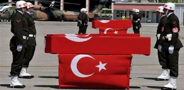 """مقتل 3 جنود أتراك وإصابة 7 آخرين في هجوم لـ""""داعش"""" بسوريا"""