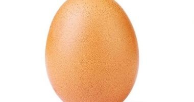 """البيضة المعجزة.. 25 مليون لايك لصورة """"بيضة حمراء"""" على انستجرام"""
