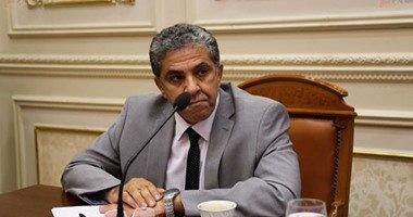 وزير البيئة: 390 ألف جنيه دعما لإنتاج سيارة مصرية تعمل بالطاقة الشمسية
