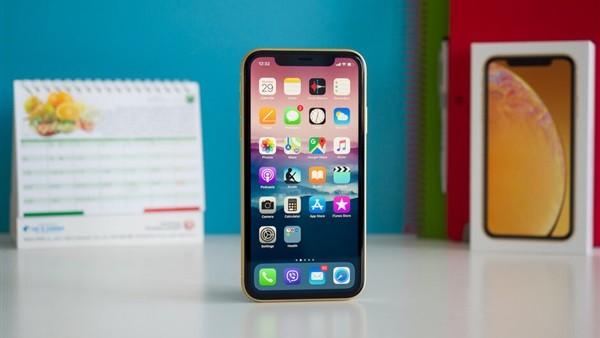 فرصة.. اشتري iPhone XR بـ 5000 جنيه.. تعرف على السر