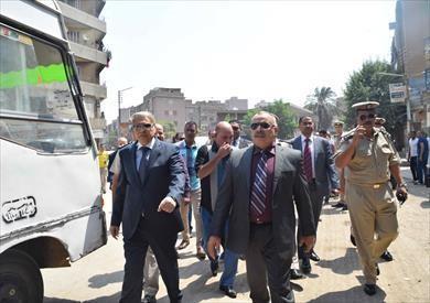 محافظ المنيا يقود حملة مكبرة لإزالة الإشغالات في غرب المدينة