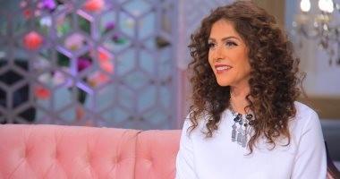 بسمة تحذف صور عمرو حمزاوى من حساباتها بالسوشيال ميديا بعد خبر انفصالهما