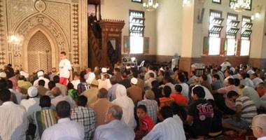 إحالة إمام مسجد وعاملين للتحقيق لعدم الالتزام بالخطبة والتغيب بالمنيا