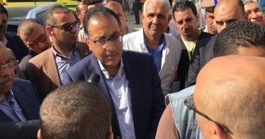 """مواطن بسوهاج يشكو قلة أطباء الغسيل الكلوى.. ورئيس الوزراء: """"اللى غلط هيتحاسب"""""""