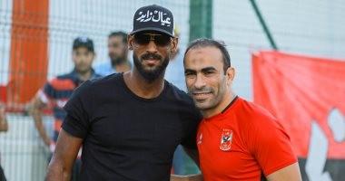 عبد الحفيظ يمنع لافتة تسىء لأحد الأندية المنافسة فى مران الأهلى بالإمارات