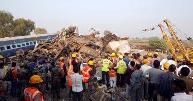 ارتفاع حصيلة قتلى خروج قطار عن القضبان بالهند إلى 107 وإصابة 150 شخصا