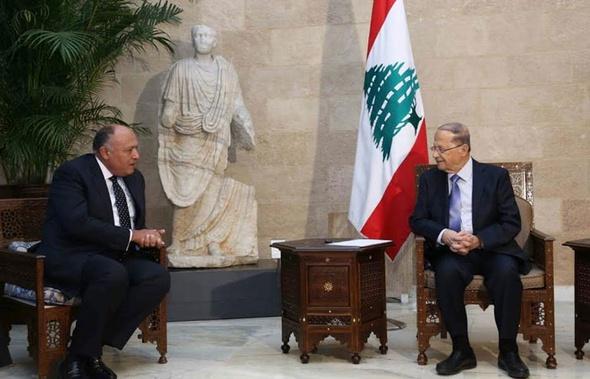 وزير الخارجية يسلم الرئيس اللبناني رسالة تضامن من السيسي