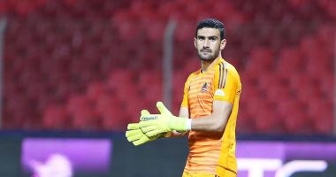 ضحك وتصفيق.. رد فعل محمد عواد على الاستبعاد من المنتخب