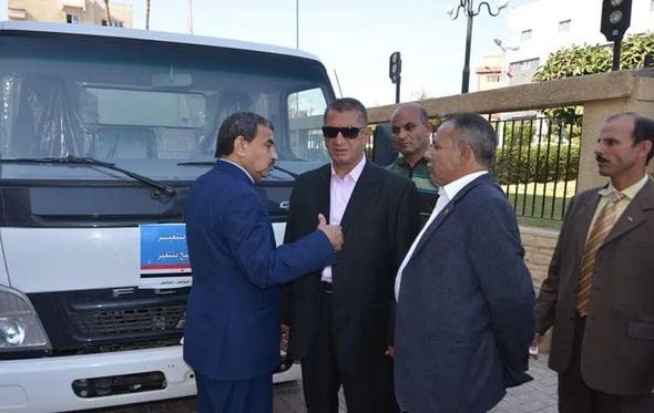 بالصور.. دعم منظومة النظافة بكفر الشيخ بـ12 سيارة قلاب ولودر