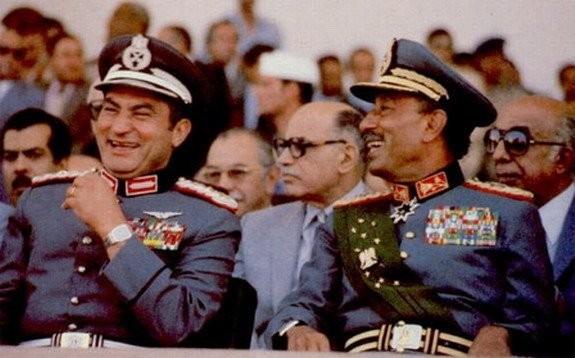 مبارك: السادات قال لي إنه كان يرسل أشرف مروان للإسرائيليين بمعلومات مغلوطة