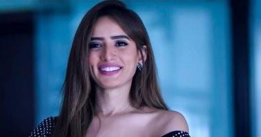 محكمة الأسرة تنظر اليوم دعوى خلع الفنانة زينة من أحمد عز