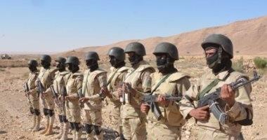 الجيش الثالث يضبط تكفيريا أثناء رصده القوات بوسط سيناء