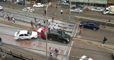 إصابة 15 عاملا فى تصادم سيارة بحاجز الدائرى الإقليمى ببلبيس فى الشرقية