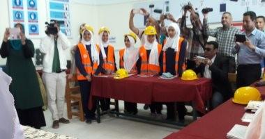 صور..محافظ البحر الأحمر ونائب وزير التعليم يفتتح فصل تخصص صيانة الطاقة الشمسية