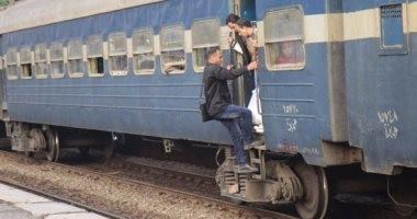 عطل فنى يتسبب فى تأخر قطار عن رحلته لمدة ساعة بسوهاج