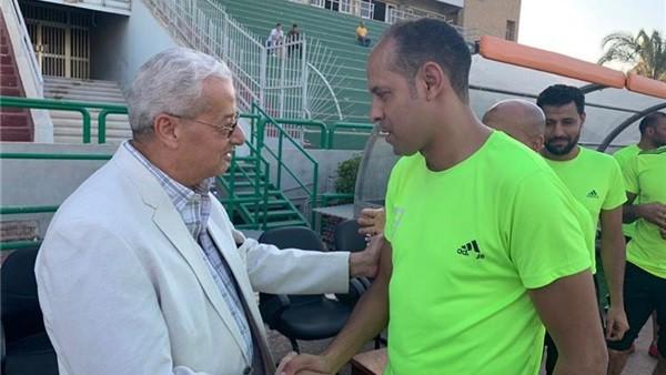 رئيس المقاولون العرب يهنئ الفريق بالفوز الأول في الدوري المصري