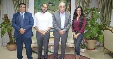 """محافظ جنوب سيناء يلتقى وفد """"التعليم"""" للتنسيق لملتقى العربى لطلاب الإحتياجات الخاصة"""