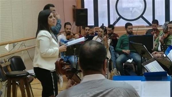 المطربة اللبنانية كارلا رميا تستعيد الزمن الجميل بالأوبرا.. اليوم