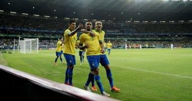 """فيديو.. """"خيسوس"""" يتقدم للبرازيل بهدف مزيكا أمام الأرجنتين في الدقيقة 19"""