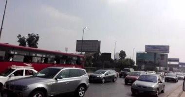زحام مرورى بمحيط جامعة القاهرة وكوبرى عباس بسبب زيادة الأحمال