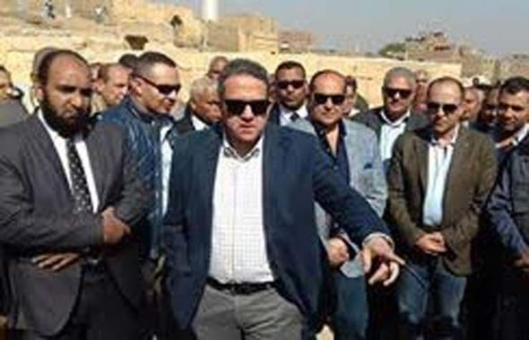 وزير الآثار يختتم زيارته لسوهاج بتفقد معبد ميريت آمون