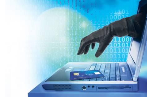 فيديو.. «الاتصالات»: قانون مكافحة الجريمة الإلكترونية تأخر 17 عاما