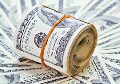 الدولار يواصل التراجع في البنوك الحكومية ويفقد 23 قرشا