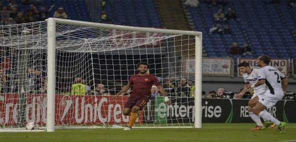 الاتحاد الإيطالي يعاقب صلاح مالياً ويتهمه بإدعاء السقوط أمام إمبولي