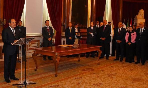 السيسي يبحث مع كبار رجال الأعمال البرتغاليين سبل تعزيز الاستثمارات