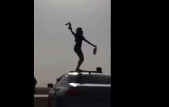 """فيديو.. الشرطة السعودية تضبط أصحاب فيلم """"الفتاة السكرانة"""""""