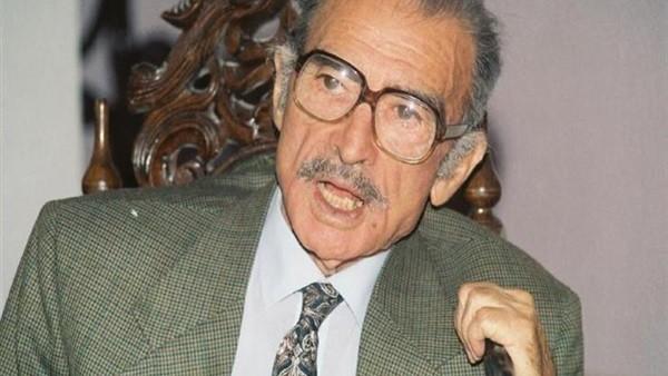 في ذكرى وفاته.. حسني مبارك فشل في حل أزمة أحمد مظهر مع الحكومة بسبب المحور \ نوستالجيا