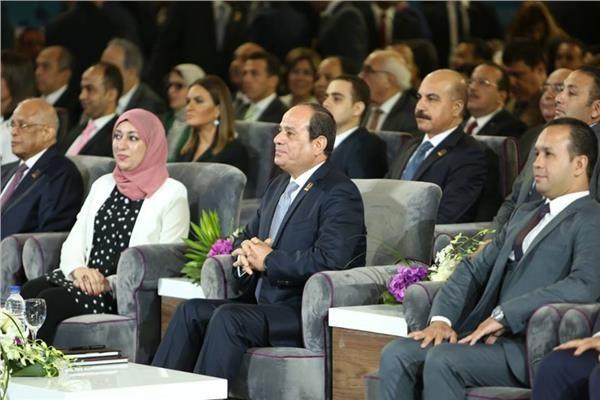 «السيسي» يشهد جلسة «المشروع القومي للبنية المعلوماتية للدولة» ضمن فعاليات مؤتمر الشباب