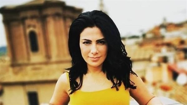 لامع وملفت.. شاهد فستان صبا مبارك فى ثانى أيام مهرجان الجونة السينمائي