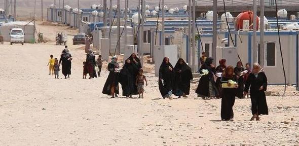 فرار أكثر من 400 مدني من حلب إلى مناطق سيطرة النظام السوري