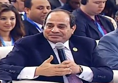 فيديو.. «السيسي»: «بنات أسرتي كانوا بيقولوا ياريت بابا يبقى عمو عبد الفتاح»