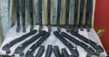 ضبط 4 بنادق آلية والقبض على 10 من عائلتين ببنى سويف