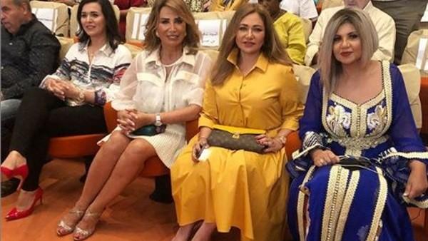 أصفر وأبيض.. إطلالة ليلى علوي وإيناس الدغيدي في مهرجان أصيلة المغربي ..شاهد