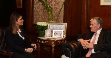 سحر نصر تبحث مع السفير الفرنسى المشروعات المستقبلية بين البلدين