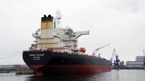 شاهد.. لقطات جديدة لـ الهجوم على ناقلتي النفط في خليج عمان