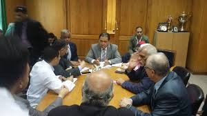 «عماد» يجتمع بشباب الأطباء لمناقشة «التأمين الصحي الجديد»
