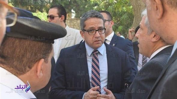 وزير الآثار والسفير الفرنسي يزوران منطقة البر الغربي بالأقصر