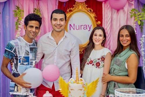 نجوم مسرح مصر يحتفلون بـ«عقيقة» ابنة محمد أنور