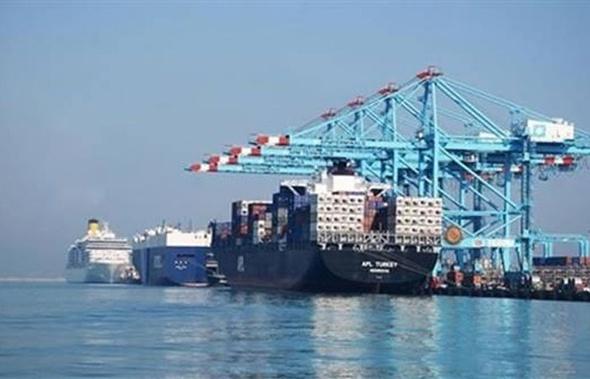ميناء دمياط يستقبل السفينة VFTANKER-19 محملة بـ 5774 طن زيت