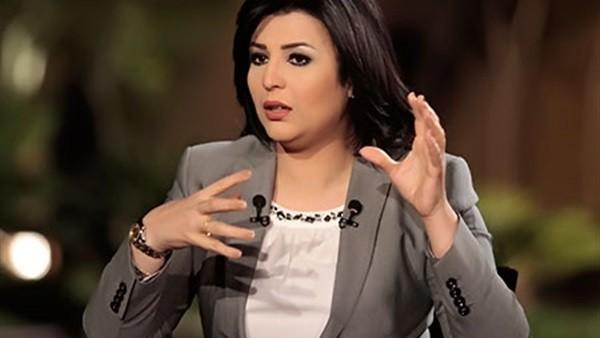 خطر على حياتكم.. منى الشاذلي تحذر المصريين من جروب على فيسبوك