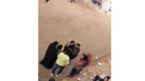 بطل فيديو الحضن في مدرسة بأبوكبير يسلم نفسه للأجهزة الأمنية في الشرقية