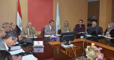 محافظ كفر الشيخ يتابع أعمال إنشاء طريق وكورنيش بركة غليون وإزالة التعديات
