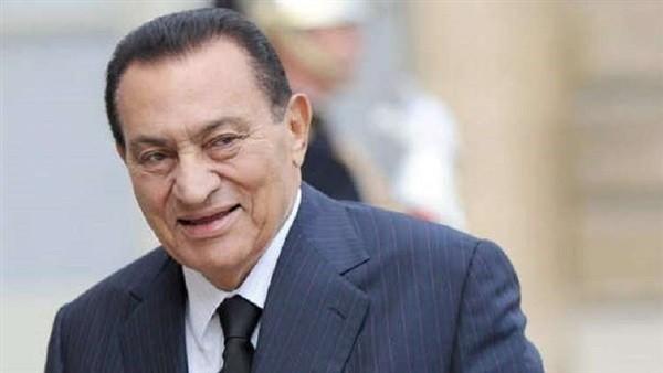صورة جديدة للرئيس الأسبق حسني مبارك تثير جدلا على مواقع التواصل