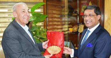 محافظ أسوان يستقبل سفير الهند على هامش مشاركته بمهرجان الفنون